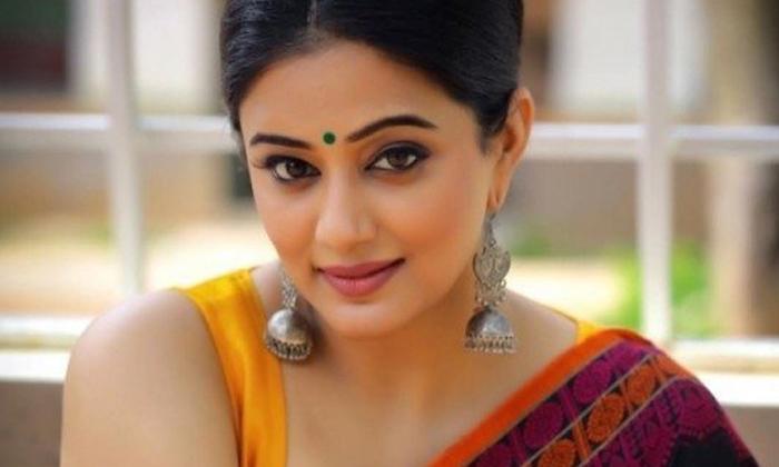 Priyamani Second Innings Begins With Narappa-TeluguStop.com