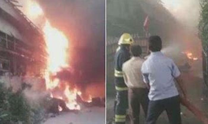 Huge Fire In Hyderabad Jeedimetla-TeluguStop.com