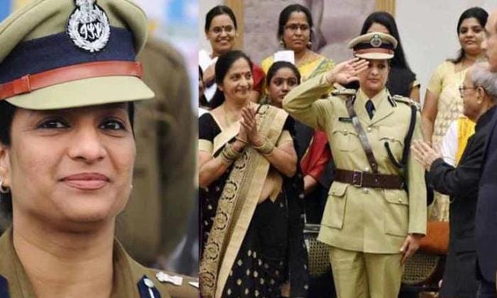 Reason Behind Ips Officer Bharati Arora Voluntary Retirement-TeluguStop.com