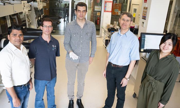 Indian Origin Researcher Pankaj First Needle Free Blood Sugar Test From Newcastle University-TeluguStop.com