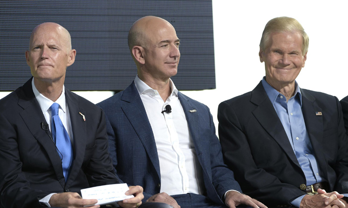 Telugu Blue Origin Moon Lander, Elon Musk, Jeff Bezos, Jeff Bezos Offers Nasa $2 Billion Discount For Blue Origin Moon Lander, Moon Lander, Nasa, Richard Branson-Telugu NRI