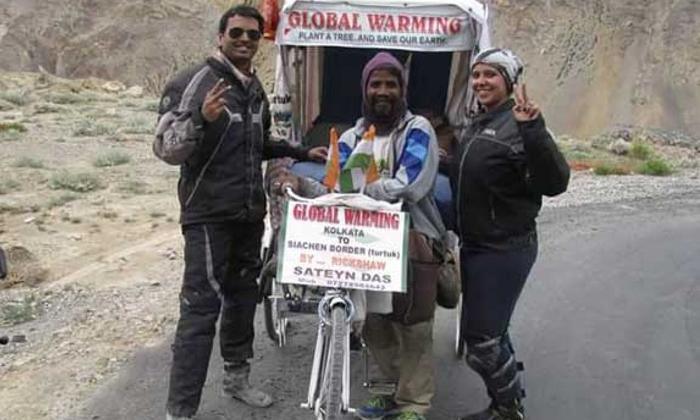 Kolkata Rickshaw Puller Pedals His Way To Ladakh-TeluguStop.com