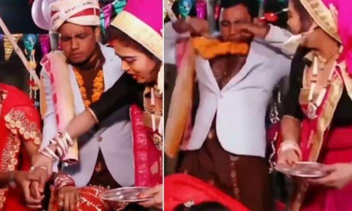 Scared Groom Runs Away After Bride Falls Unconscious During Sindoor Ceremony-TeluguStop.com