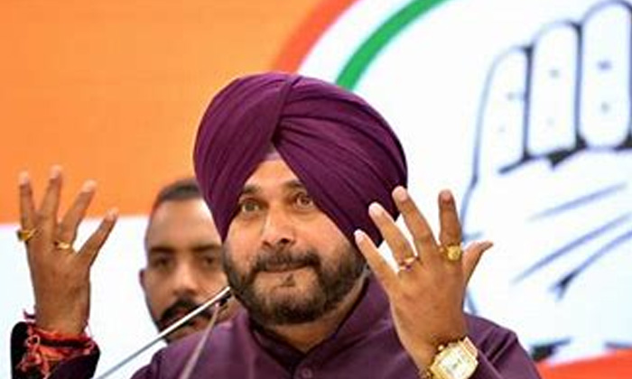 Sidhu Ascends To The Post Of Punjab Congress Pcc Chief-TeluguStop.com