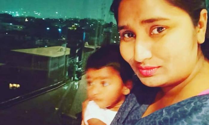 Telugu B Grade Films, Swathi Naidu, Swathi Naidu Emotional About Her Husband, Telugu Actress, Telugu Actress Swathi Naidu Emotional About Her Husband Care Less, Tollywood-Movie