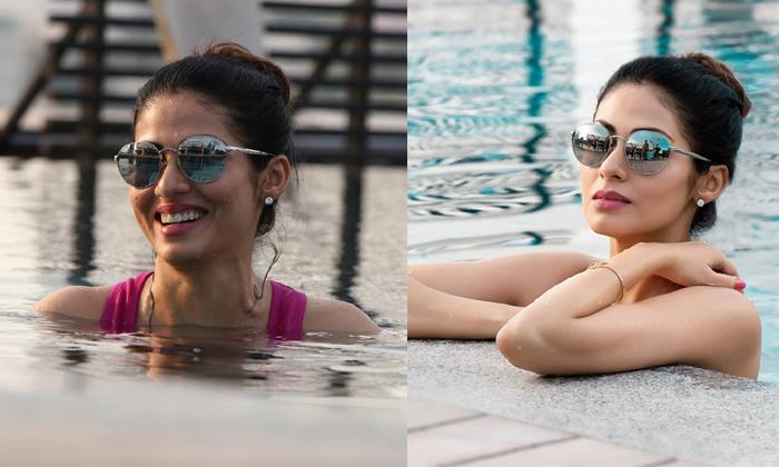 Telugu Veteran Actress Sada Mesmerizing With Bold Treat-TeluguStop.com