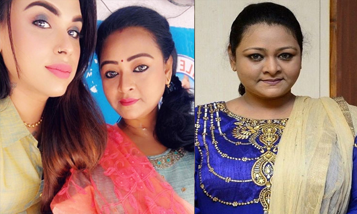 Actress Shakeela Want To Introduce Her Daughter As Heroine In Film Industry-TeluguStop.com