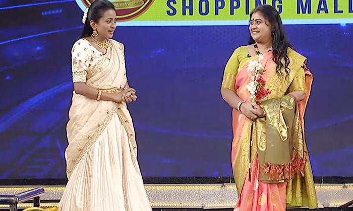 Actress Rajyalaxmi Shocking Comments About Anchor Suma-TeluguStop.com
