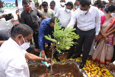 Andhra Minister Inaugurates O2 Plant Funded By Sonu Sood-TeluguStop.com