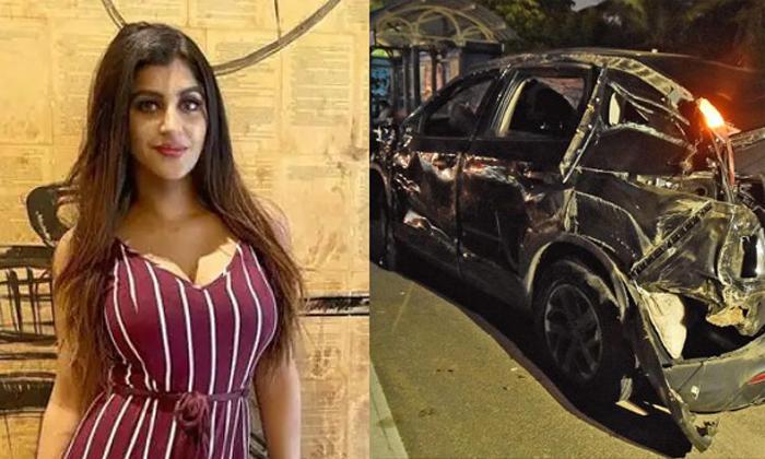 Yashika Anand Driving License Seized-TeluguStop.com