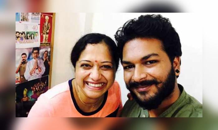 Chatrapati Fame Bhaswanath Vamsi Photo Goes Viral In Social Media-TeluguStop.com