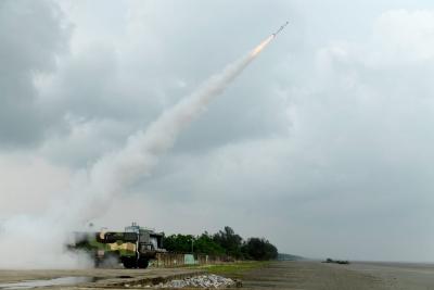 India Successfully Flight-tests New Generation Akash Missile-TeluguStop.com