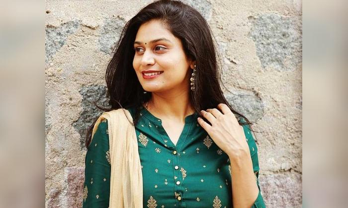 Interestinf Facts About Star Singer Mohana Bhogaraju-TeluguStop.com