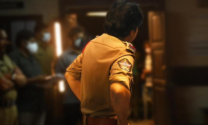 Pawan Kalyan As Bheemla Nayak In Ak Movie-TeluguStop.com