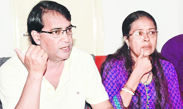 Pratyusha Banerjee Parents Open Up About Facing Financial Losses-TeluguStop.com