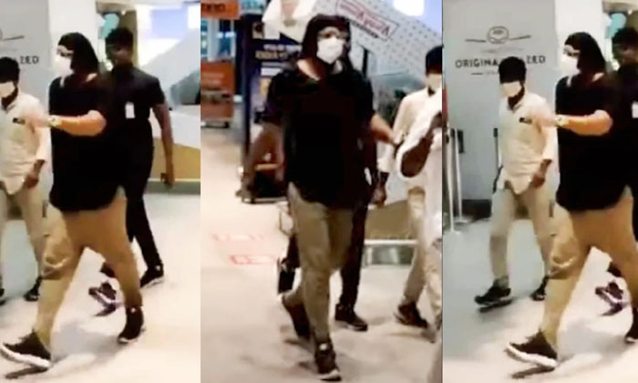 Prabhas With A Special Look While Returning From Italy-TeluguStop.com