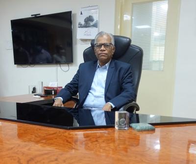 University Of Hyderabad Gets New V-c-TeluguStop.com