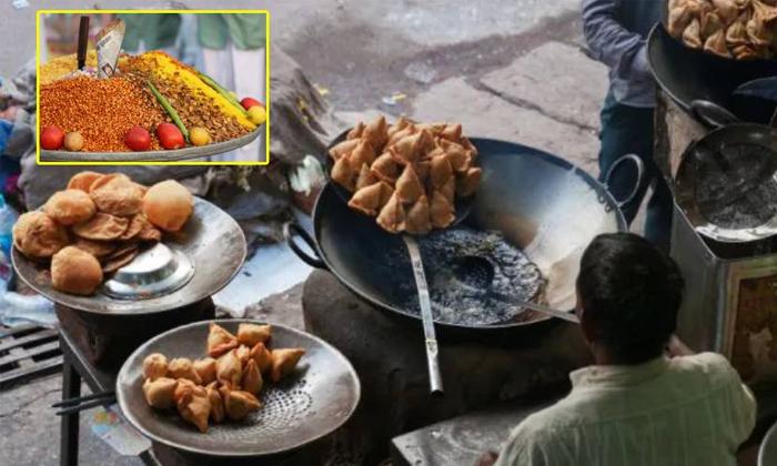 Uttarpradesh Street Vendors Earned Crores Of Rupees-TeluguStop.com