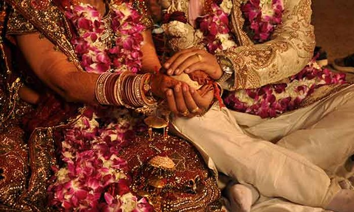 Women Cheating Men For Money And Gold In Tamil Nadu-TeluguStop.com