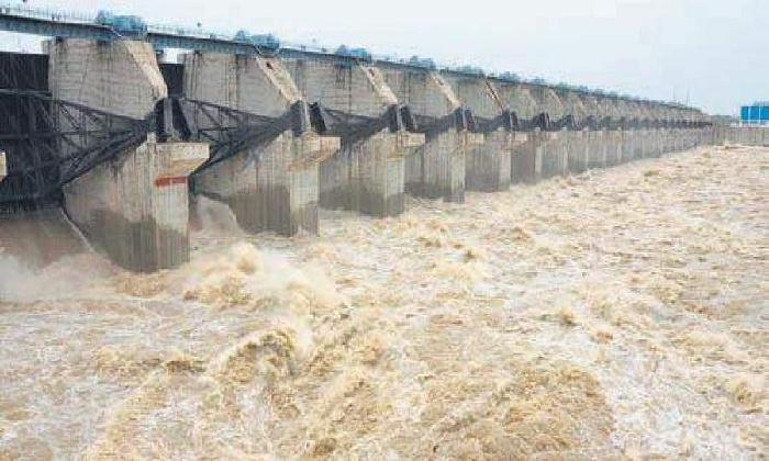 Authorities Issues Alert To People In Krishna River Basin-TeluguStop.com