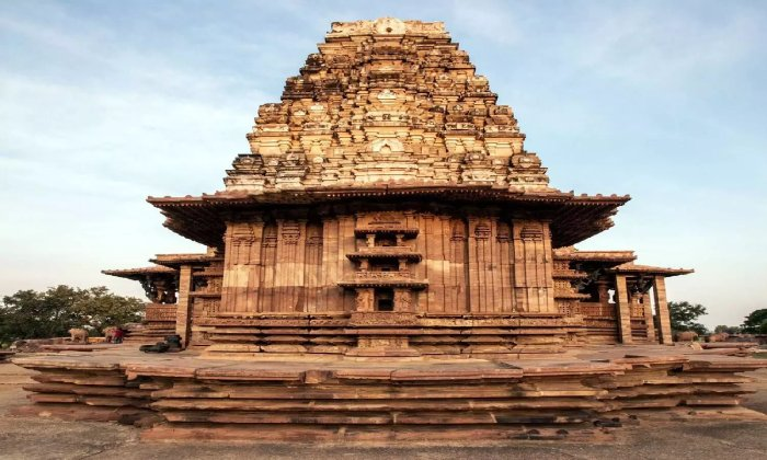 Committee Officials Will Visit Ramappa Temple To Draft Development Plans!!-TeluguStop.com