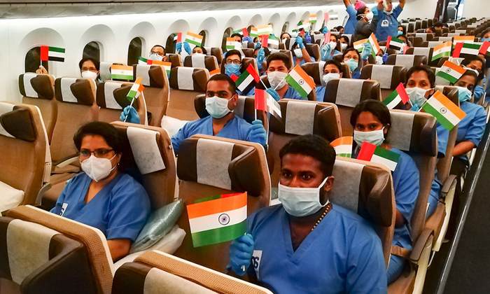 Uae To Allow Entry Of Health Workers From India From August 5-TeluguStop.com