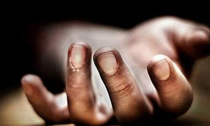 Indian Student Dead China Unknown Circumstances-TeluguStop.com