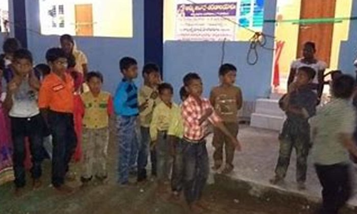 Kcr Governments Sensational Decision In The Case Of Orphans-TeluguStop.com