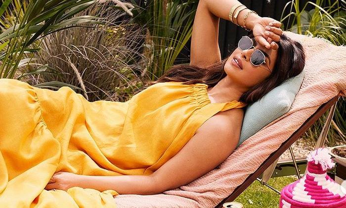 These Stunning Beach Stills Of Actress Priyanka Chopra Heads Turn On The Internet-telugu Actress Hot Photos These Stunni High Resolution Photo