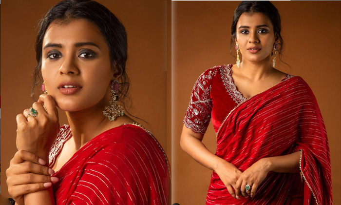 Tollywood Actress Hebah Patel Stands For Adorable Beauty - Telugu Actress Hebah Patel Latest Movie New Images Photos Pi High Resolution Photo