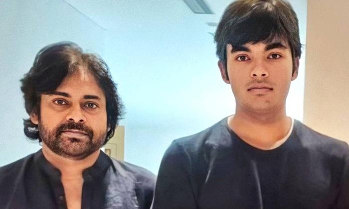 Pawan Kalyan Is Working On Karanandans Debut-TeluguStop.com