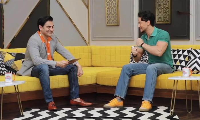 Star Hero Tiger Shroff Targetting Salman Khan Why Because-TeluguStop.com