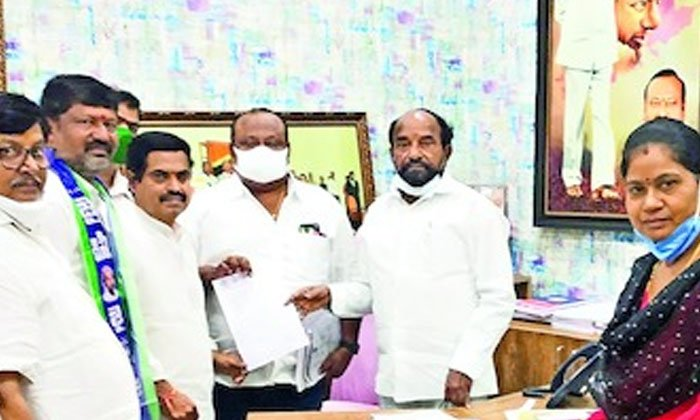 Another Shock For Kcr Dalit Kinship Plan Has Been Reversed-TeluguStop.com
