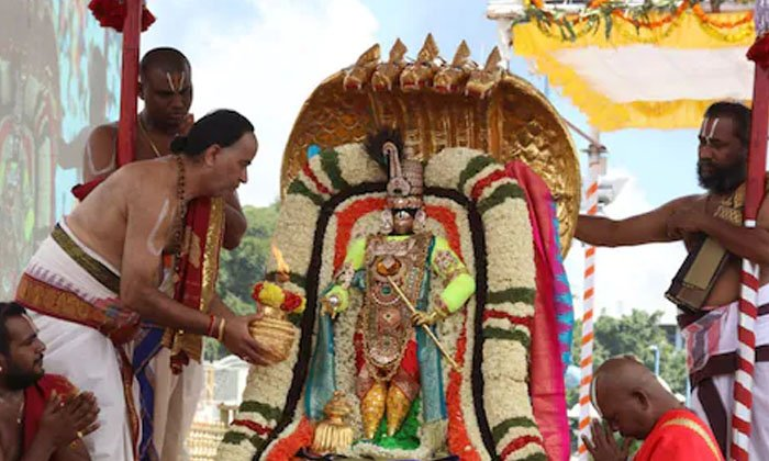 Do You Know Any Of The Unknow Idols In The Presence Of Tirupati Swami-TeluguStop.com
