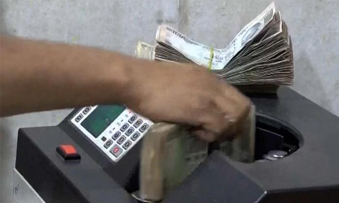 Bihar Man Refuses To Return Rs 5 5 Lakh Wrongfully Credited Funds-TeluguStop.com