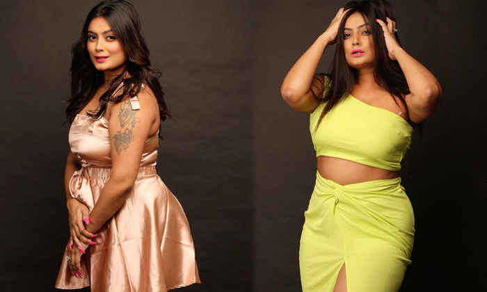 Bollywood Actress Twinkle Kapoor Flaunts Boss Lady Vibes In This Pictures - Telugu Twinkle Kapoor Body Measurements Fig High Resolution Photo