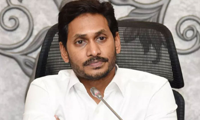 Mp Rammohan Naidu Made Serious Remarks On Cm-TeluguStop.com