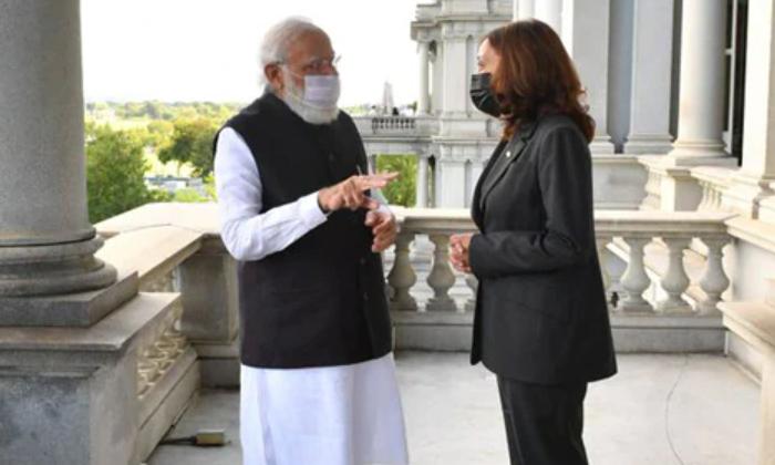 Pm Narendra Modis Special Gift To Us Vice Prez Kamala Harris-TeluguStop.com