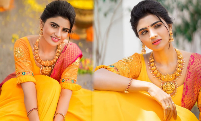 Tollywood Actress Varsha Looks Simply Gorgeous In This Pictures - Telugu Varsha Amazing Pics Awesome Poses Stills Hot L High Resolution Photo