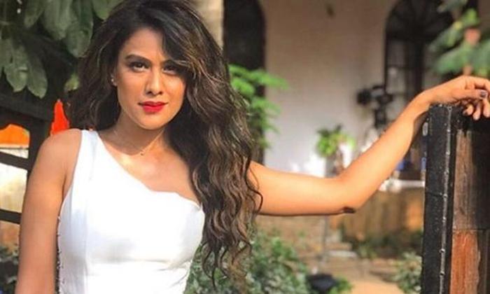 Nia Sharma Negative Comments On Bollywood Star Kids-TeluguStop.com