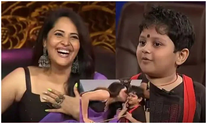 Anasuya Kissed Rocket Raghava Son Murari And He Comment Dont Want Payment Viral-TeluguStop.com
