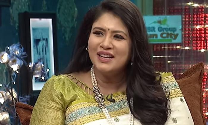 Comedian Ali Brother Khayyum Writes Blood Letters To Sanghavi-TeluguStop.com