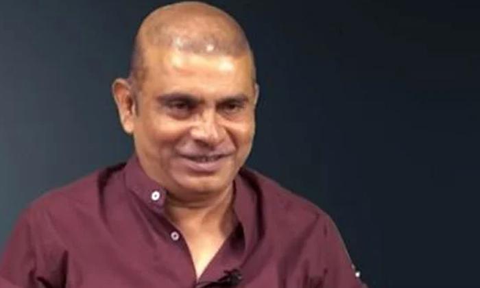 Writer Nivas Comments About Director Trivikram Srinivas-TeluguStop.com