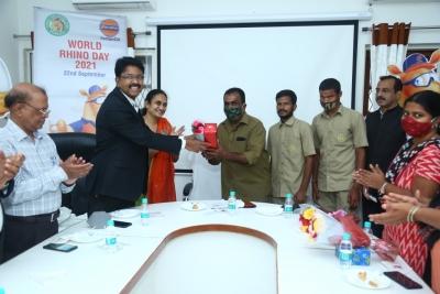 Ioc Offers To Adopt Rhinoceros In Hyderabad Zoo-TeluguStop.com