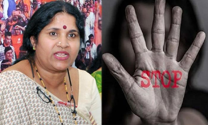 Karnataka Bjp Mlc Bharathi Shetty Comments On Womens Night Duties-TeluguStop.com