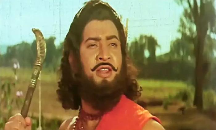 Krishna Faced 17 Flops After Alluri Seetaramaraju Movie-TeluguStop.com
