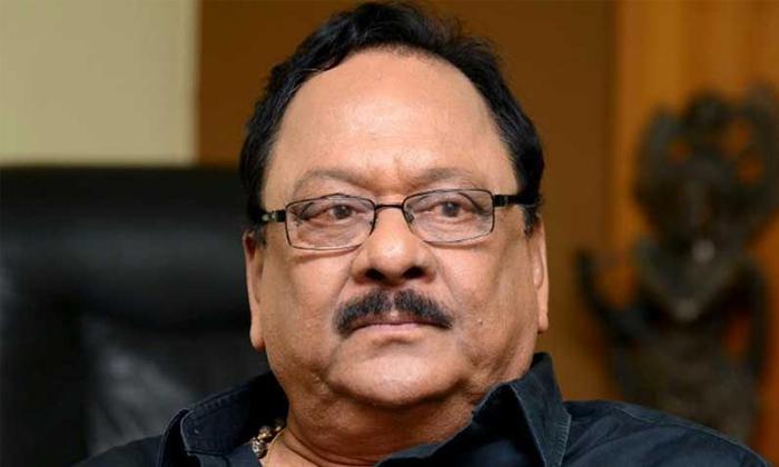 Krishnam Raju Health Update Social Media News Wrong-TeluguStop.com