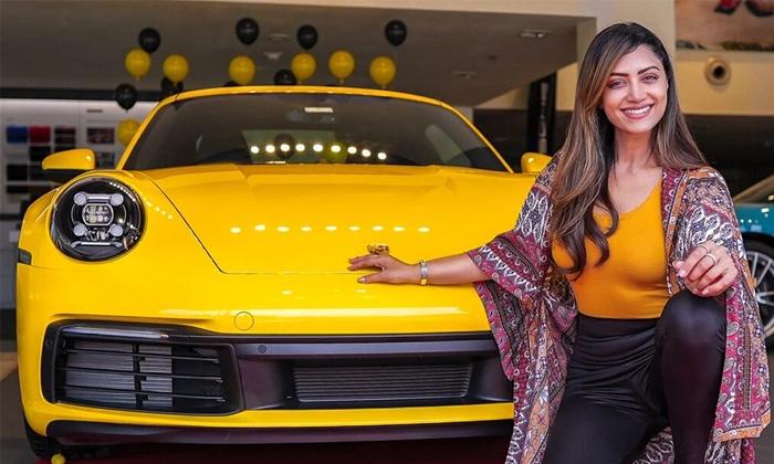 Actress Mamta Mohandas Latest Photoshoto With His Luxury Car-TeluguStop.com