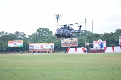 Spectacular Aerial Display By Army Aviation Helicopters, Elite Commandos-TeluguStop.com