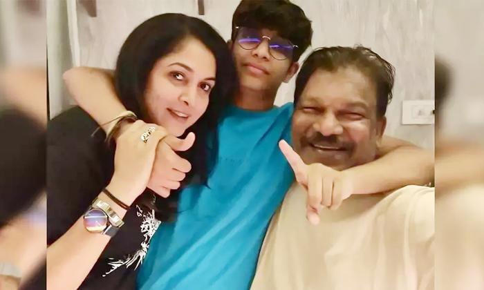 Star Heroine Ramyakrishna Sister Details Here-TeluguStop.com
